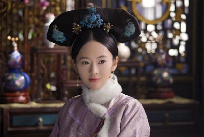 Bị con trai của Trương Quốc Lập bạo hành dã man để rồi 'rũ bùn' trở lại đỉnh cao sự nghiệp, bây giờ kết hôn với người chồng hơn 17 tuổi sống cuộc sống ngọt ngào  12