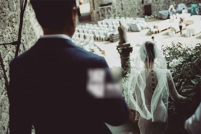 Bị con trai của Trương Quốc Lập bạo hành dã man để rồi 'rũ bùn' trở lại đỉnh cao sự nghiệp, bây giờ kết hôn với người chồng hơn 17 tuổi sống cuộc sống ngọt ngào  4