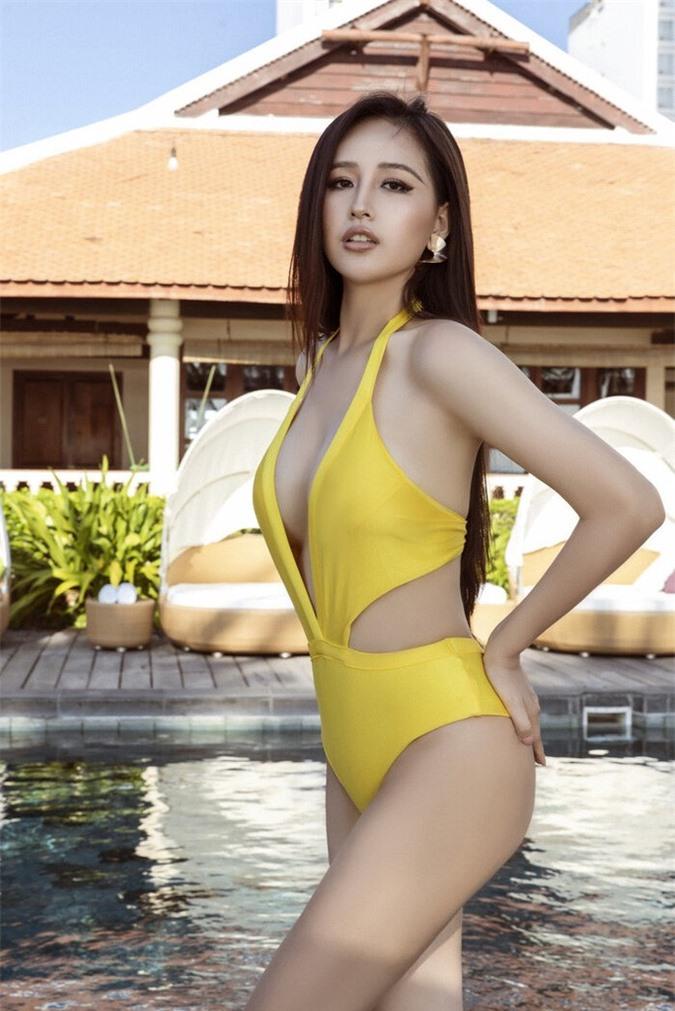 Diện bikini gợi cảm, Mai Phương Thúy xứng danh hoa hậu nóng bỏng nhất - Ảnh 10.