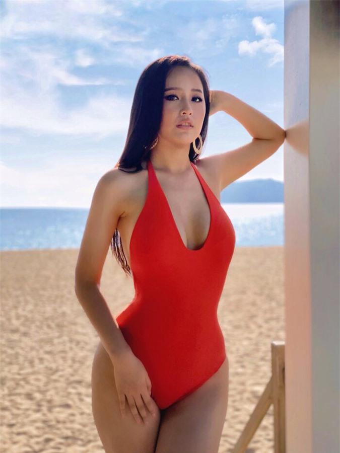 Diện bikini gợi cảm, Mai Phương Thúy xứng danh hoa hậu nóng bỏng nhất - Ảnh 11.