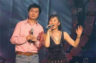 Nữ ca sĩ bị đồn mắc bệnh AIDS từng lần 1 làm