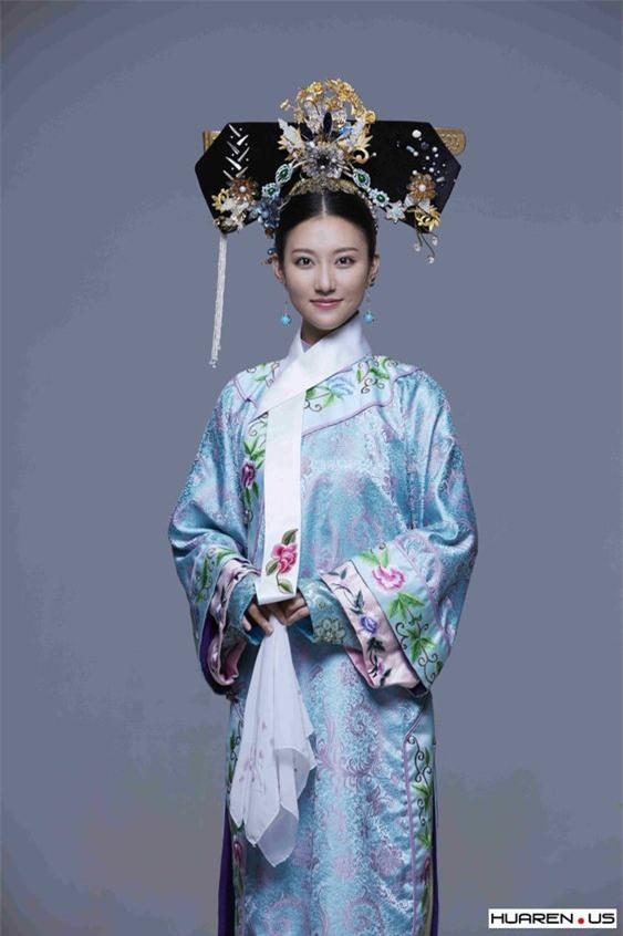 Nữ nhân được Hoàng đế Càn Long chọn làm con dâu: Xuất thân không quá hiển hách, 15 tuổi xuất giá, 21 năm sau trở thành Hoàng hậu khiến nhiều người ghen tị - Ảnh 1.