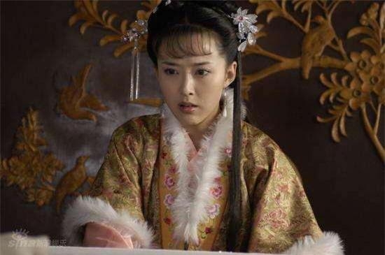 Thiên kim tiểu thư bị cha ép làm vợ bé của một gã ăn mày, ai ngờ 20 năm sau người chồng nghèo khó ấy lại trở thành Hoàng đế - Ảnh 3.
