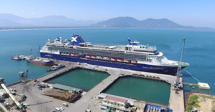 Cảng Chân Mây là một khu chức năng quan trọng trong Khu kinh tế Chân Mây - Lăng Cô, là khu bến chính của cảng biển Thừa Thiên Huế.