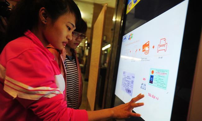 Bốn cách mua vé tàu Tết Tân Sửu 2021 qua mạng