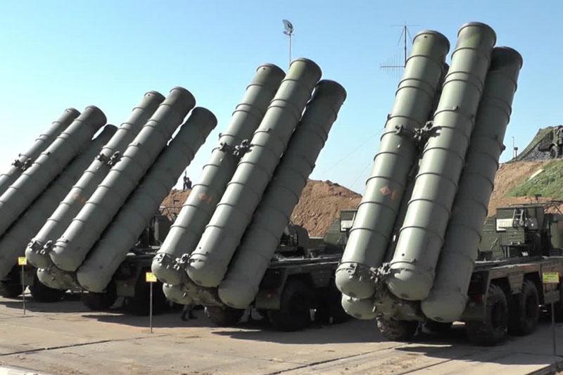 Xem hệ thống S-400 của Nga đối đầu với tên lửa đối phương