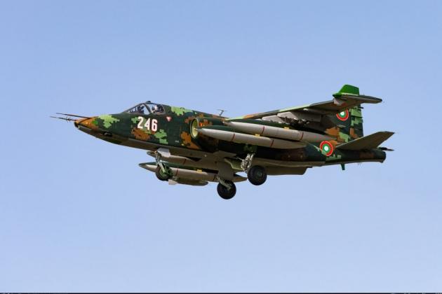 8 cường kích Su-25 của Bulgaria đang được Belarus sửa chữa. Ảnh: Reporter.