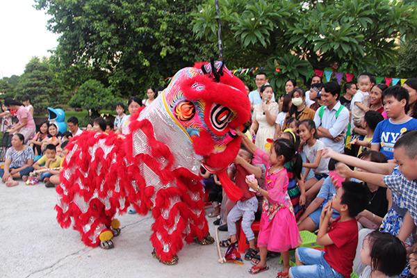 Tham gia chương trình Trung thu tại Bảo tàng Đà Nẵng, các em thiếu nhi sẽ được thưởng thức các màn biểu diễn múa lân