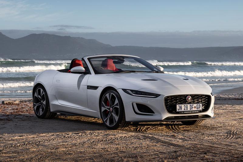 10. Jaguar F-Type Convertible 2021 (giá khởi điểm: 84.900 USD).