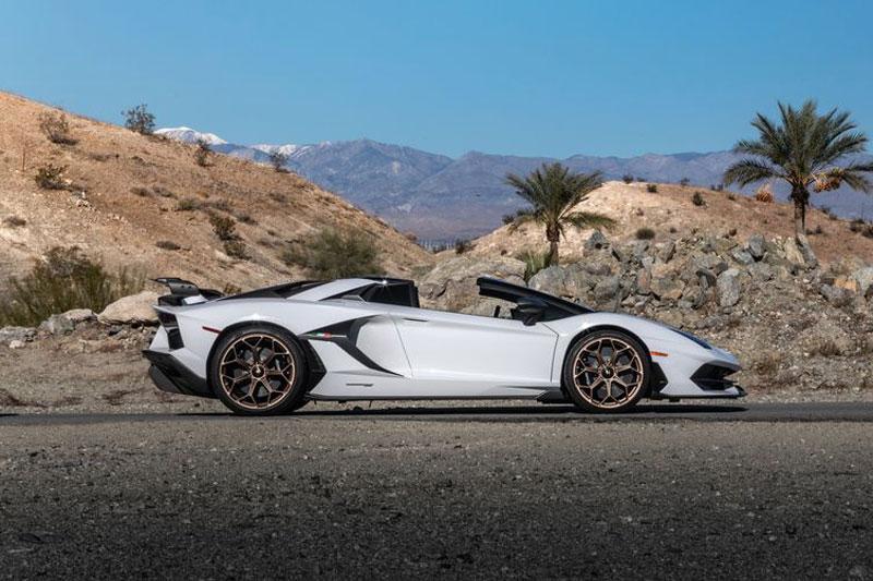 12. Lamborghini Aventador Roadster 2020 (giá ước tính: 470.000 USD).