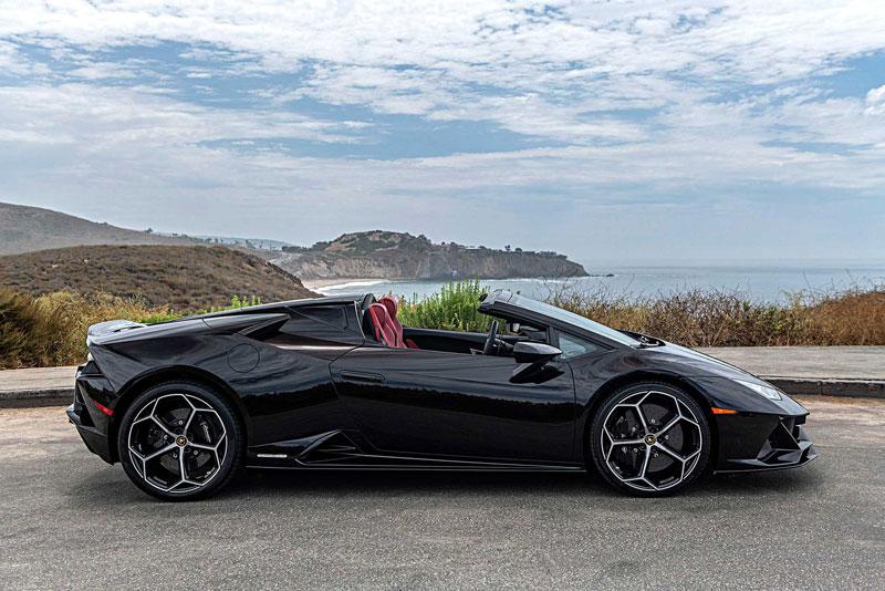 13. Lamborghini Huracan Spyder 2020 (giá ước tính: 270.000 USD).