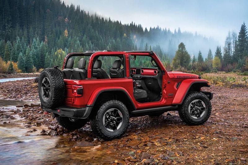 2. Jeep Wrangler Convertible 2020 (giá khởi điểm: 28.295 USD).