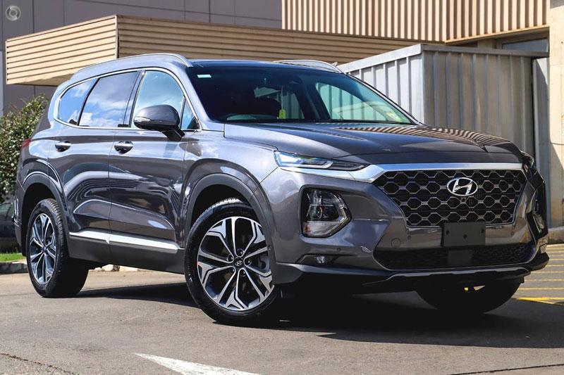 5. Hyundai Santa Fe 2020 (đánh giá độ tin cậy: 4,5/5, giá khởi điểm: 26.125 USD).