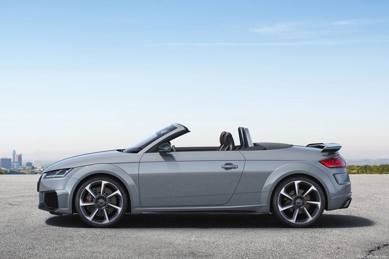 7. Audi TT Roadster 2020 (giá khởi điểm: 49.000 USD).