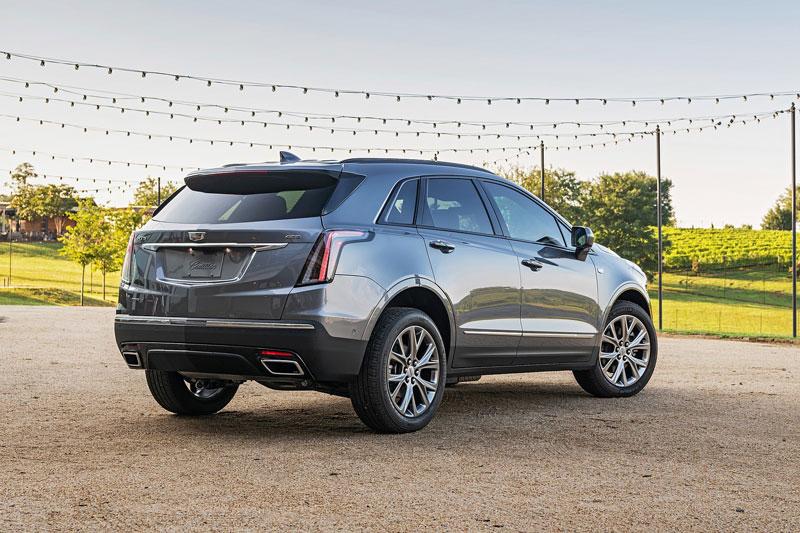 8. Cadillac XT5 2020 (đánh giá độ tin cậy: 4,5/5, giá khởi điểm: 44.095 USD).