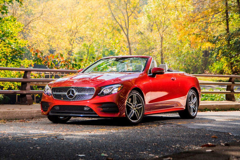 8. Mercedes-Benz E-Class Cabriolet 2020 (giá khởi điểm: 73.900 USD).