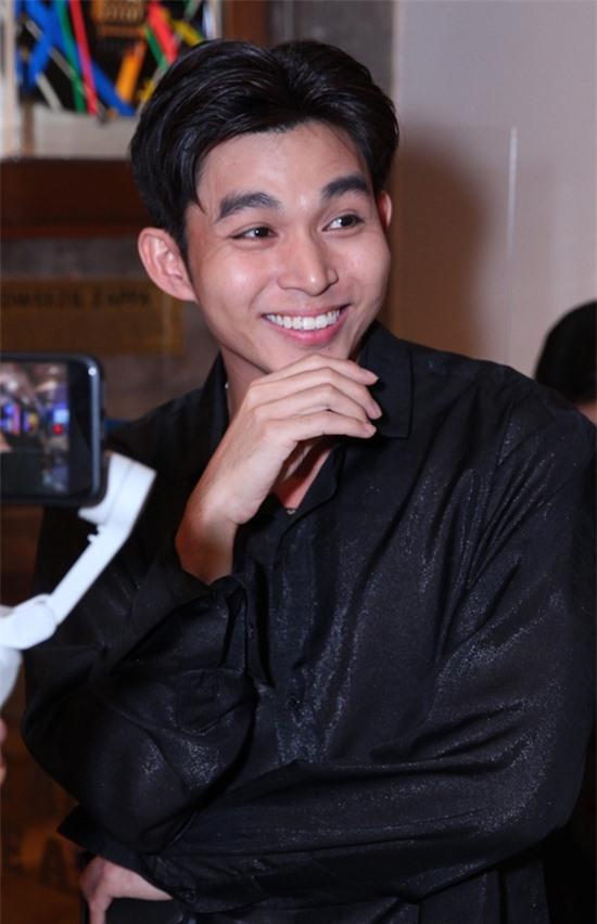 Jun Phạm ấn tượng với khả năng vừa hát vừa sáng tác nhạc cho Voi Biển Band của Trương Thế Vinh.