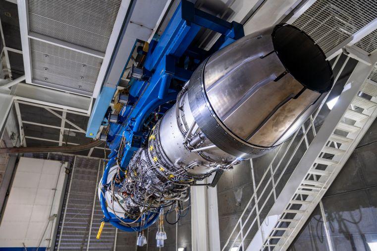 General Electric và Pratt & Whitney đang cạnh tranh để giành hợp đồng cung cấp động cơ cho tiêm kích F-15EX. Ảnh: Janes Defense.