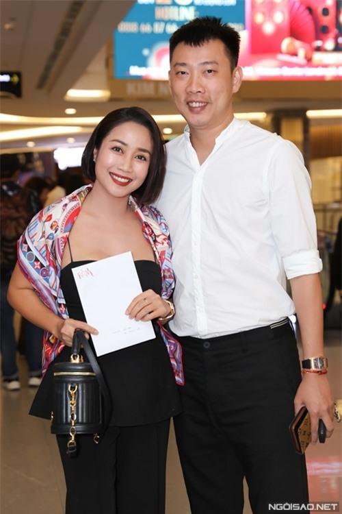 MC - diễn viên Ốc Thanh Vân đi chung với ông xã.