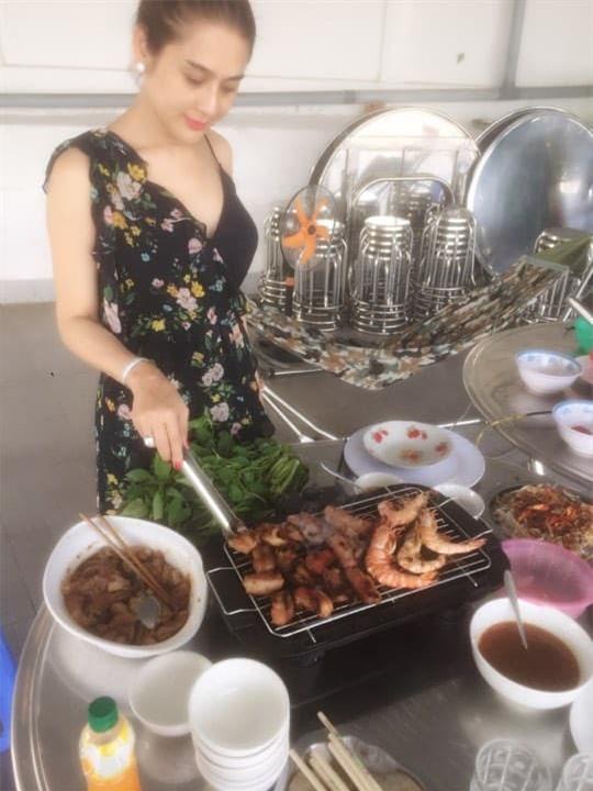 Lâm Khánh Chi nấu ăn 2