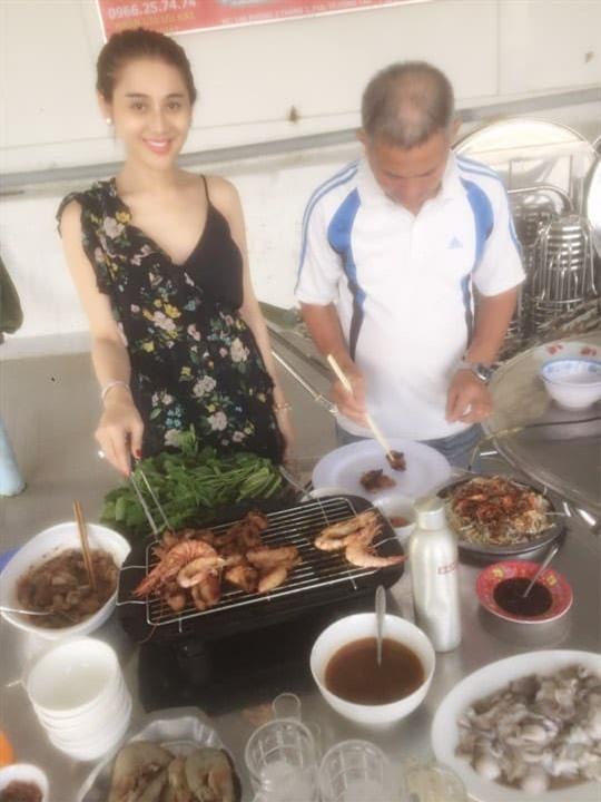 Lâm Khánh Chi nấu ăn 3