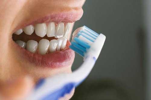 3 thói quen đánh răng tưởng sạch nhưng hóa ra khiến răng rụng sớm không ngờ