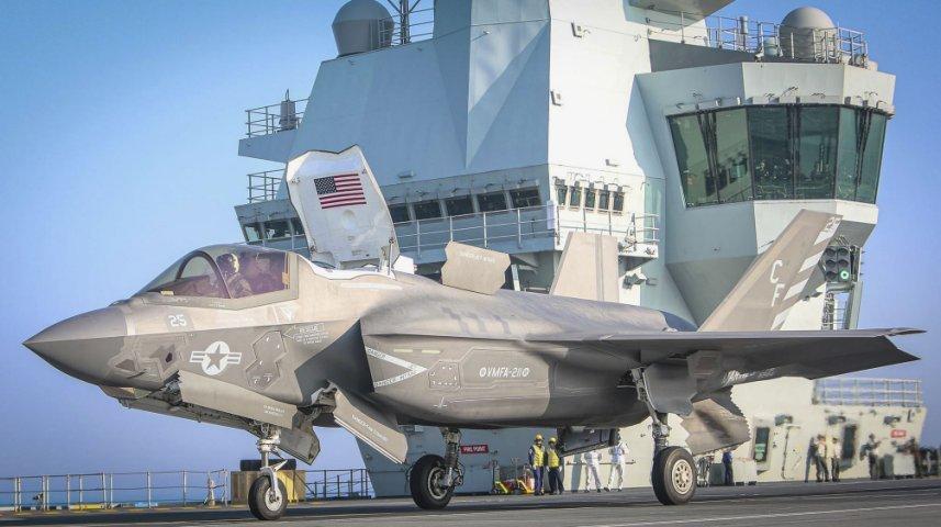 F-35B của Thủy quân lục chiến Mỹ hoạt động trên tàu sân bay HMS Queen Elizabeth
