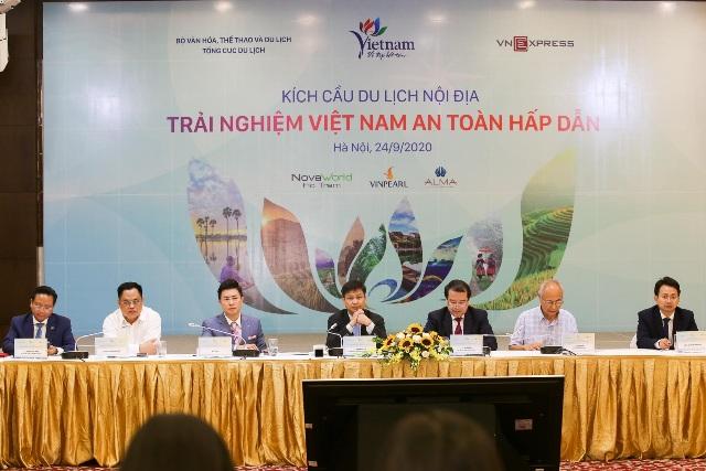 """Hội nghị """"Kích cầu du lịch – Trải nghiệm Việt Nam an toàn, hấp dẫn""""."""