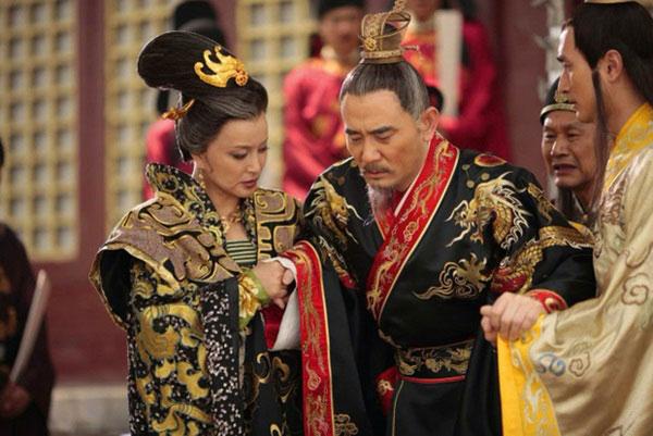 """Phải thị tẩm có khi lên tới 9 phi tần mỗi đêm, ngay đến Hoàng đế cũng đau đầu nghĩ cách """"cáo ốm"""""""