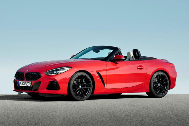 10. BMW Z4 2020 (giá khởi điểm: 49.700 USD, điểm tổng thể: 8/10).