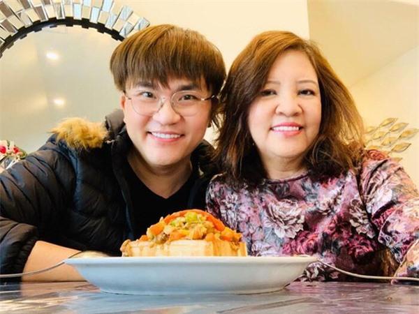 2 quý ông showbiz Việt hiếu thảo với mẹ nhưng mãi chưa lấy vợ khiến fan đồn đoán về giới tính - Ảnh 5.