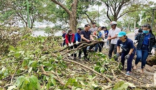 Chủ tịch tỉnh kêu gọi tổng lực ra quân Ngày Chủ nhật xanh làm đẹp TP. Huế sau bão số 5