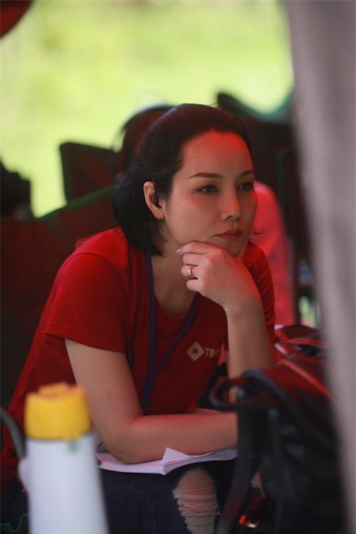 Mai Thu Huyền lần đầu ngồi ghế đạo diễn.
