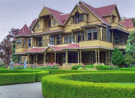 Ngôi nhà bí ẩn Winchester