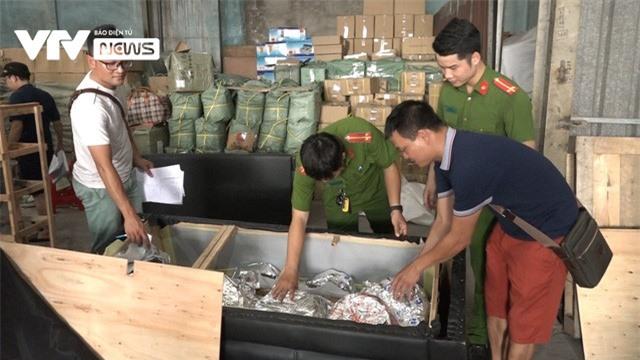 Triệt phá đường dây buôn lậu từ Trung Quốc vào TP.HCM qua cảng Cát Lái - Ảnh 2.