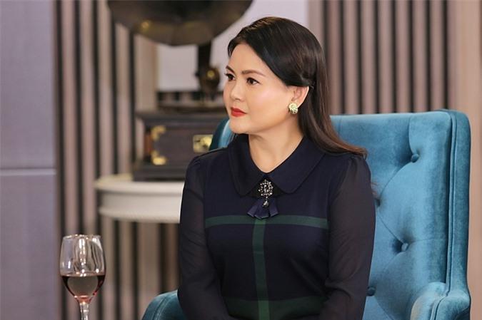 Chuyện Cuối Tuần chủ đề Mẹ kế mà thương con chồng với cuộc trò chuyện thẳng thắn giữa đạo diễn Lê Hoàng và nghệ sĩ cải lương Trinh Trinh sẽ được phát sóng vào 21h35 hôm nay ngày 26/9 trên kênh VTV9.
