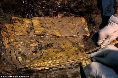 Lóa mắt với kho báu 'ngập' vàng thỏi trong mộ cổ Trung Quốc