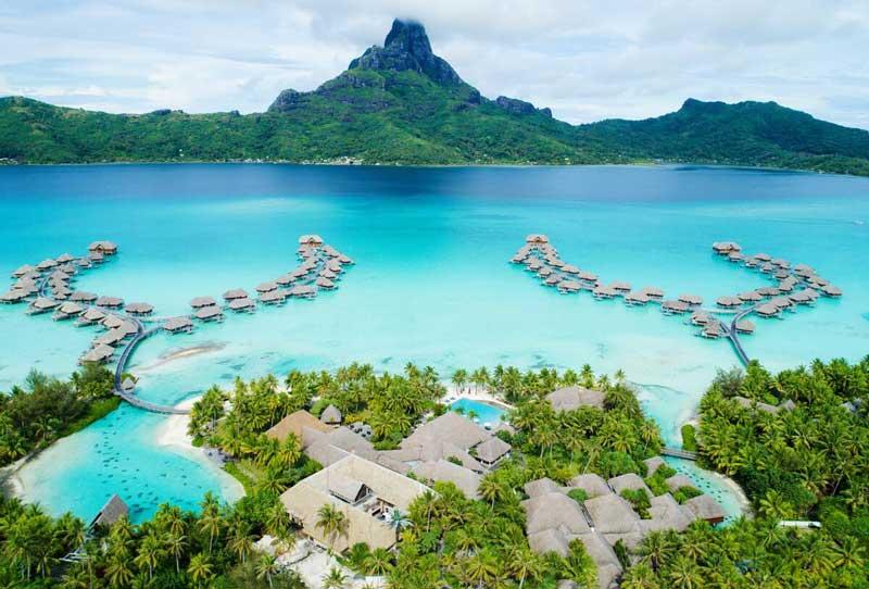 2. Bora Bora, Polynesia thuộc Pháp.