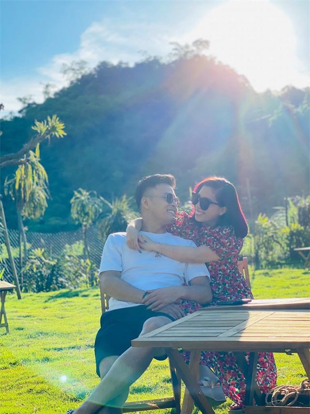 Hồng Đăng: Vợ chồng sống hài hòa và vui vẻ là ổn - Ảnh 1.