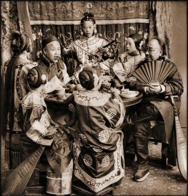 Rốt cuộc người dân Trung Quốc đã sống thế nào trong những năm 1860 - 1946, tất cả thể hiện rõ qua những bức ảnh cũ quý giá này!  - Ảnh 6.