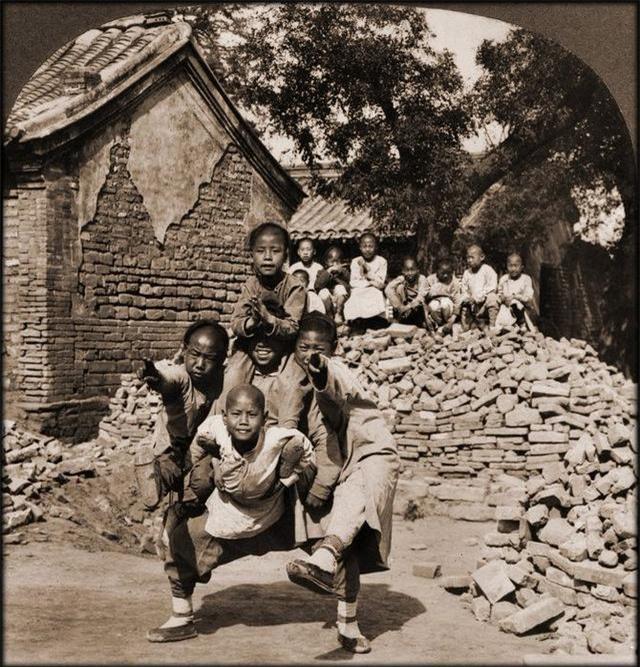 Rốt cuộc người dân Trung Quốc đã sống thế nào trong những năm 1860 - 1946, tất cả thể hiện rõ qua những bức ảnh cũ quý giá này!  - Ảnh 7.