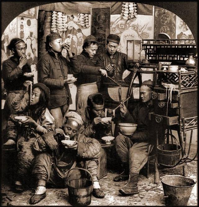 Rốt cuộc người dân Trung Quốc đã sống thế nào trong những năm 1860 - 1946, tất cả thể hiện rõ qua những bức ảnh cũ quý giá này!  - Ảnh 9.