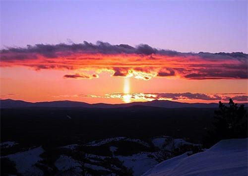 Cột mặt trời tạo nên một quang cảnh tuyệt đẹp và ấn tượng