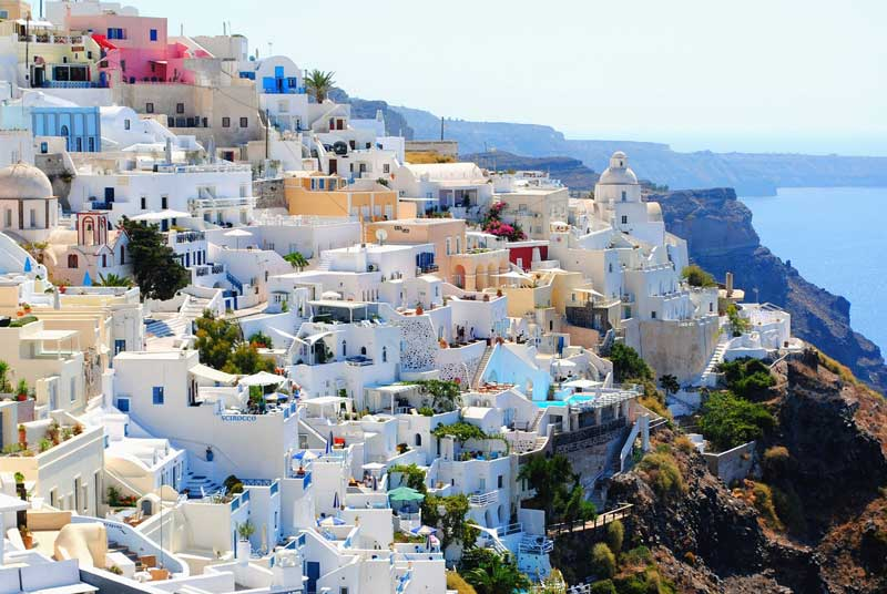 5. Santorini, Hy Lạp.