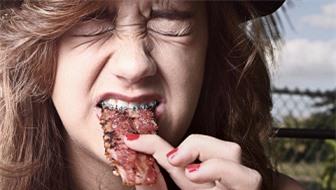 Nguy cơ cao ung thư đường ruột vì sử dụng thịt hun khói thường xuyên