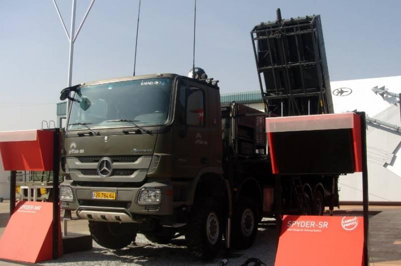 Xe mang phóng tự hành của tổ hợp tên lửa phòng không Spyder-MR. Ảnh: Topwar.