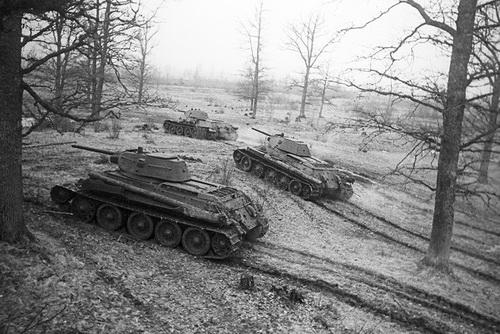 Xe tăng T-34 của Liên Xô đã được người Mỹ nghiên cứu kỹ. Ảnh: vpk.