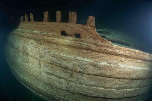 Xác tàu gỗ vẫn còn nguyên vẹn sau 400 năm dưới đáy biển