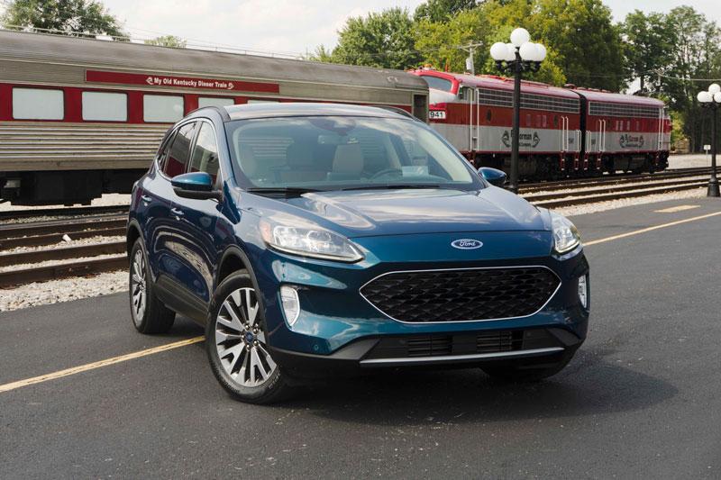 6. Ford Escape 2020 (giá khởi điểm: 24.885 USD).