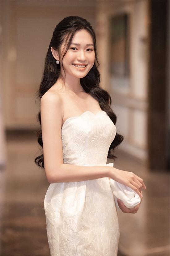 Bản sao Nhã Phương thi Hoa hậu VN 2020